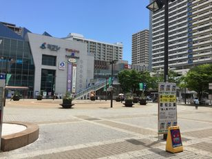 新長田駅前